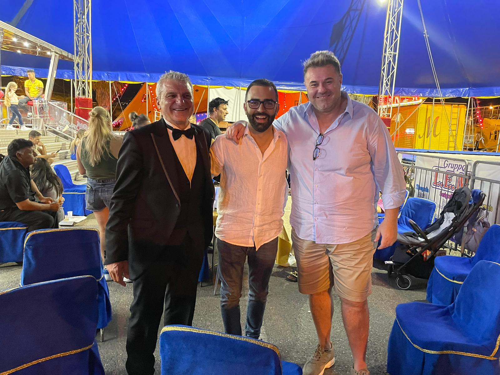 Sindaco Danilo lo giudice Del Comune di Santa Teresa di riva ospite al circo darix m orfei